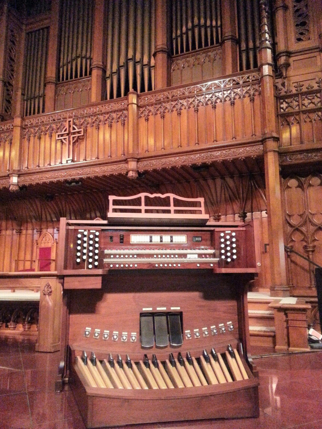 Allen Organs' Diane Bish Series organ at Third Presbyterian Church, Pittsburgh, PA