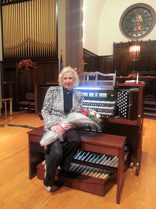 Diane Bish and Allen Organ at Trinity Lutheran Church, Elwood City, PA