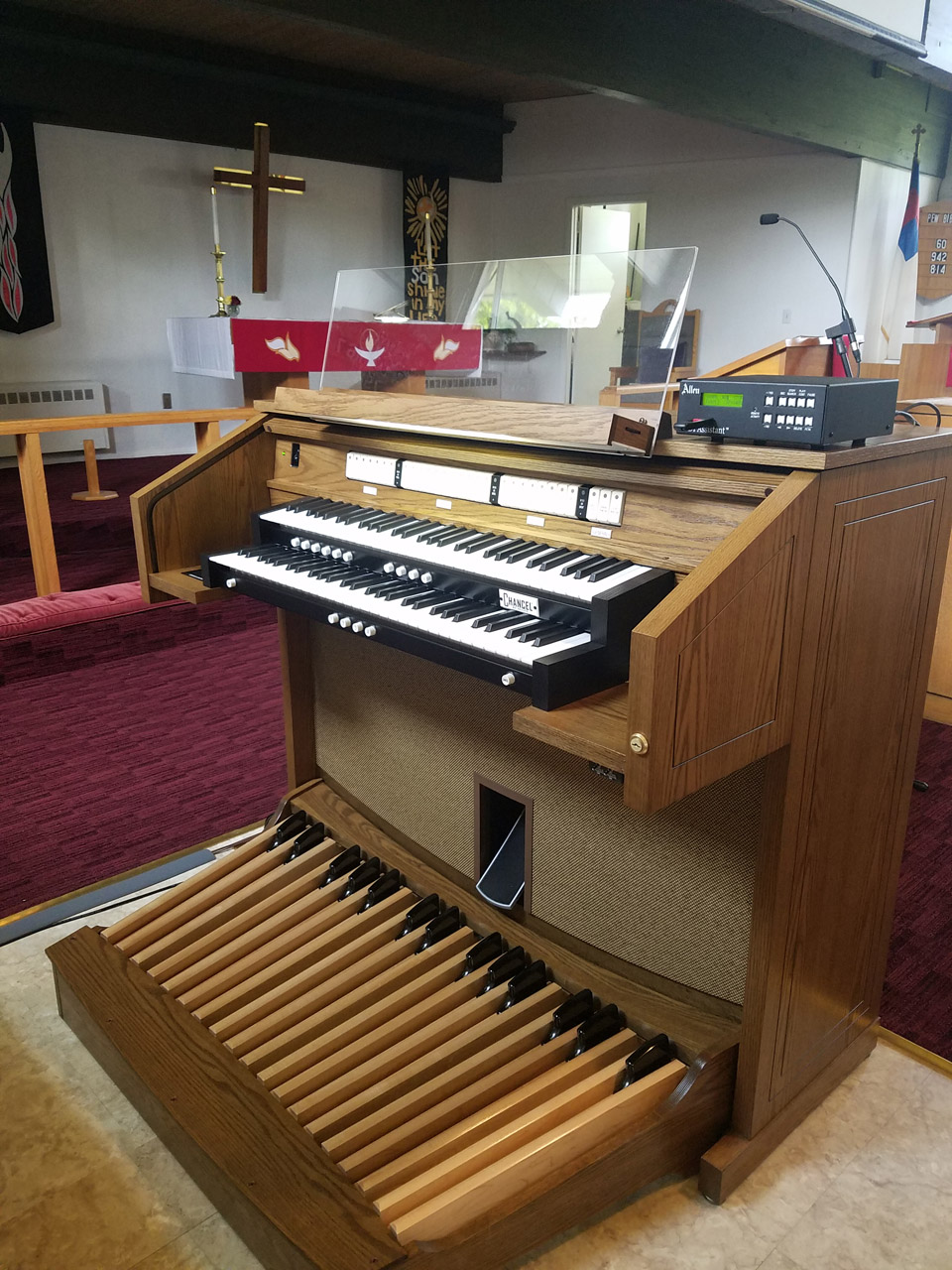 Allen CF-3 digital organ, Trinity Lutheran Church, Monroeville PA