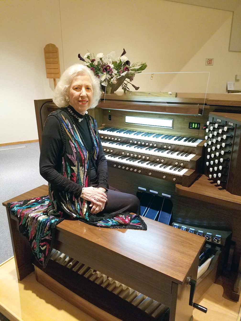 St. Mary's Catholic Church, St. Clairsville, OH - Diane Bish on an Allen 58 Stop Digital Organ