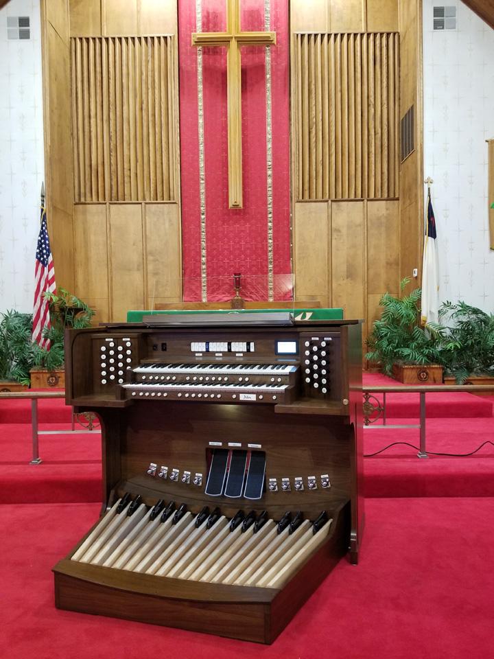 Allen G-220DK St. John's Lutheran Church, North Versailles, PA